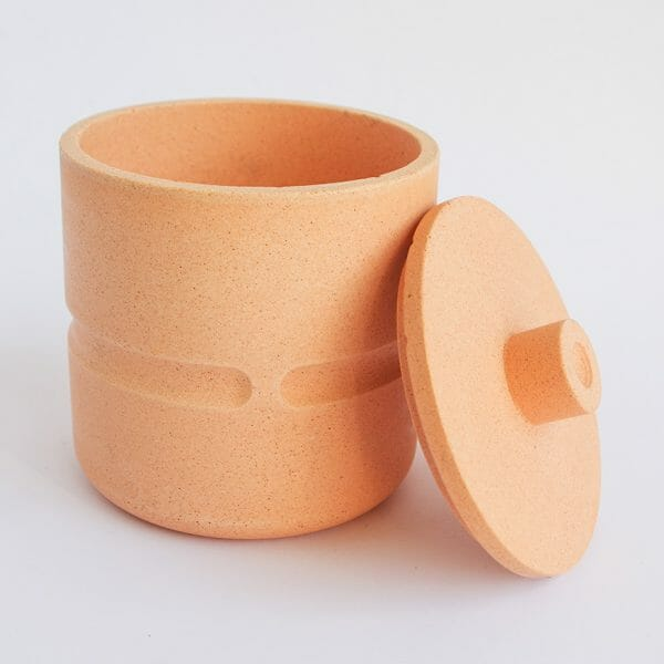 chubby-pot-with-lid-in-peachy-pink