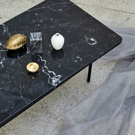 nero-long-table