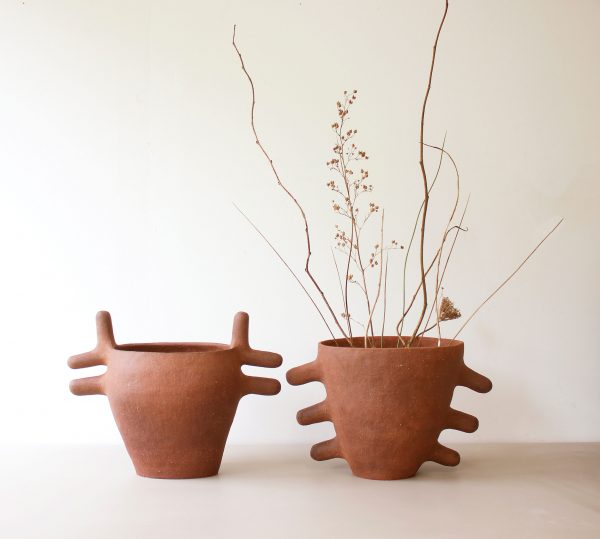 the-roe-deer-and-crab-vase-ceramics-british-design-objects-sculpture