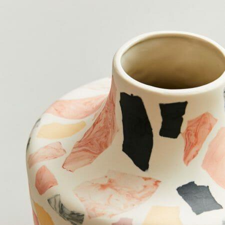 terrazzo-vase-lifestyle-interiors-home-design-ceramics-sculpture-design