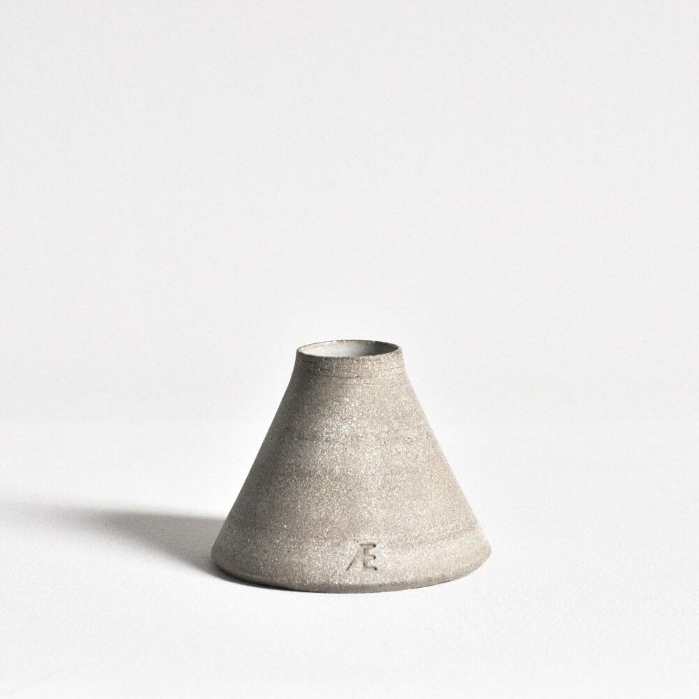 conical-budvase-ceramics-pottery-handmade