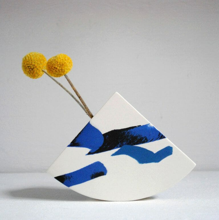 shape-vase-ceramic-blue-white