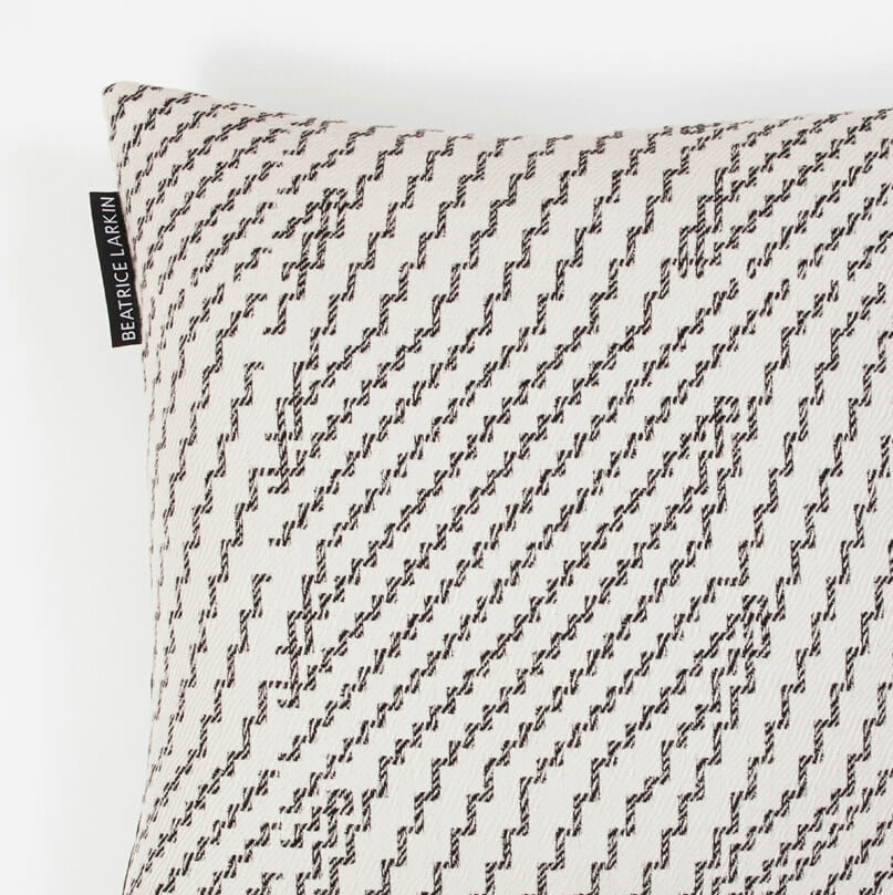 step-cushion-merinow-wool-monochrome
