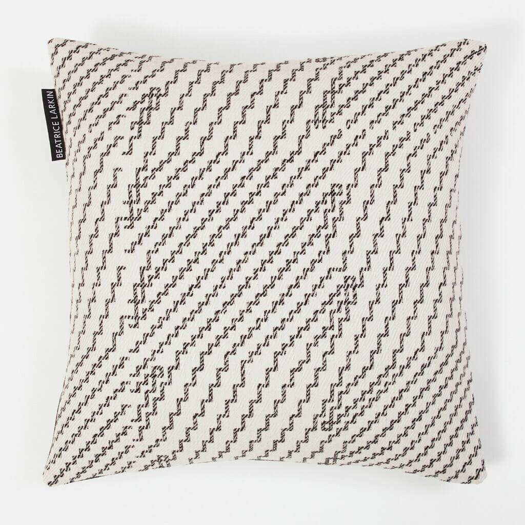 step-cushion-merino-wool-monochrome