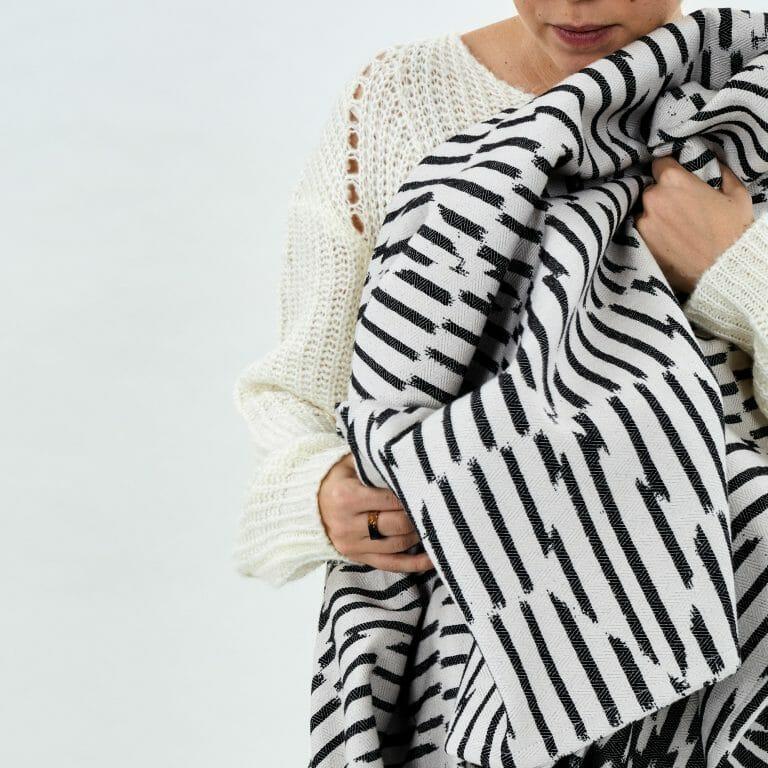 Block-Throw-black-white-geometric-patternt