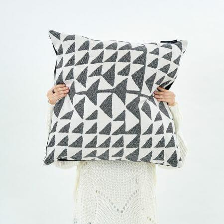 flint-light-cushion