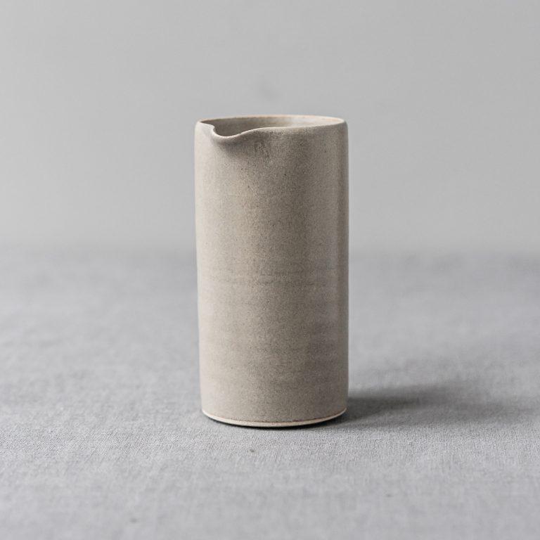ceramic-pourer-warm-grey-tableware-pottery