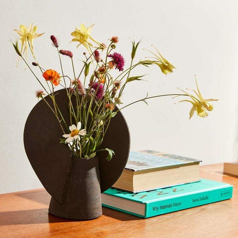 rainbow-vase-black-ceramic