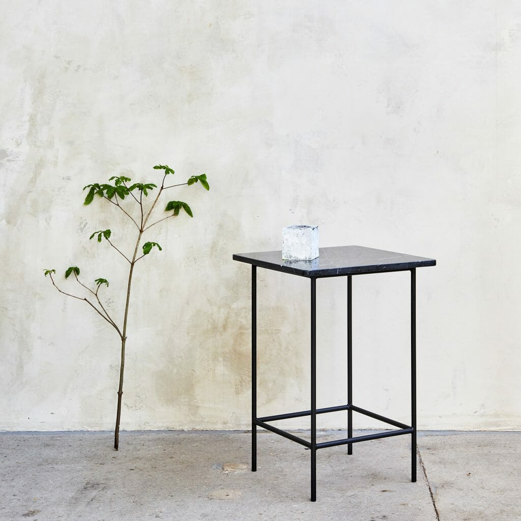 Nero-Side-Table Marquino Marble blue powder-coated legs