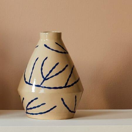 coral-diamond-vase-midi-ceramics-pottery