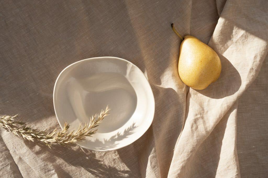 Dish-Chalk-porcelain