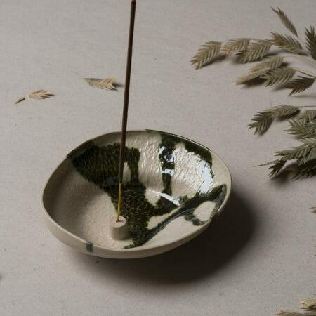 Stoneware-Incense-Holder-Lichen-ceramic-black-white-handcrafted-glazed
