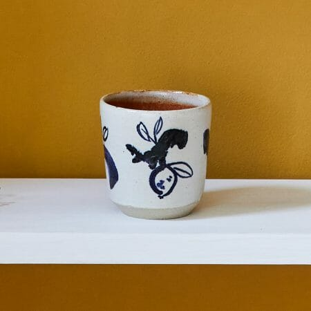 tea-tumbler-ceramic-illustrated-handmade-cup-yellow-white-blue-drawing-pottery