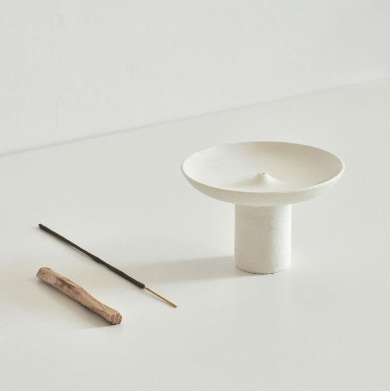 offering-incense-holder-white-ceramics