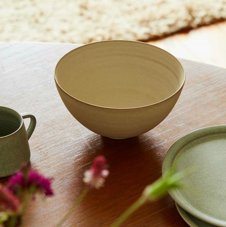 medium-bowl-warm-white-ceramic-tableware