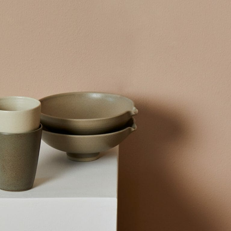 pouring-bowl-|-muted-green-ceramic-pottery-tableware