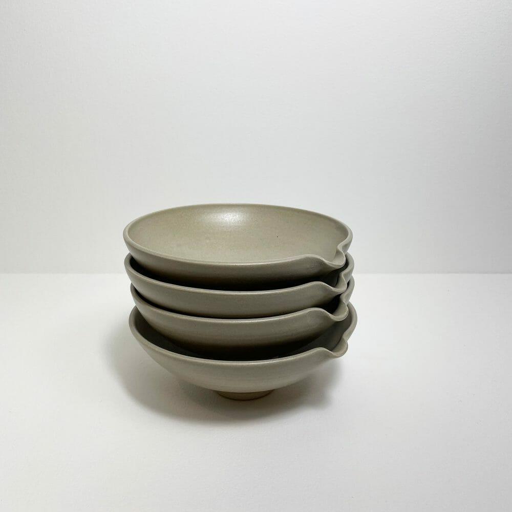 pouring-bowl-ceramic-handmade