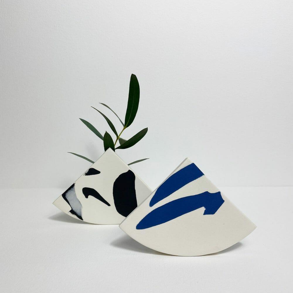 shape-vase-black-ceramic-handmade-porcelain
