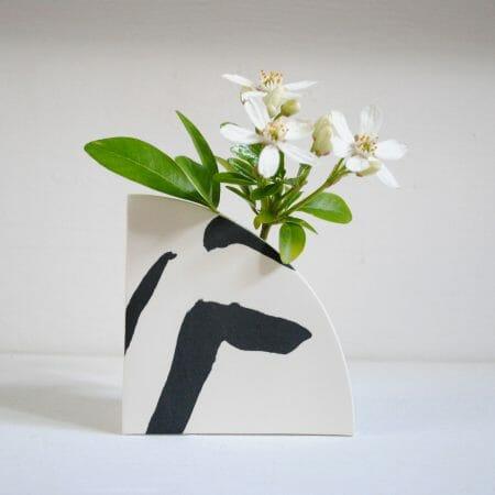 arc-shape-vase-black-ceramic-pattern-handmade-organic