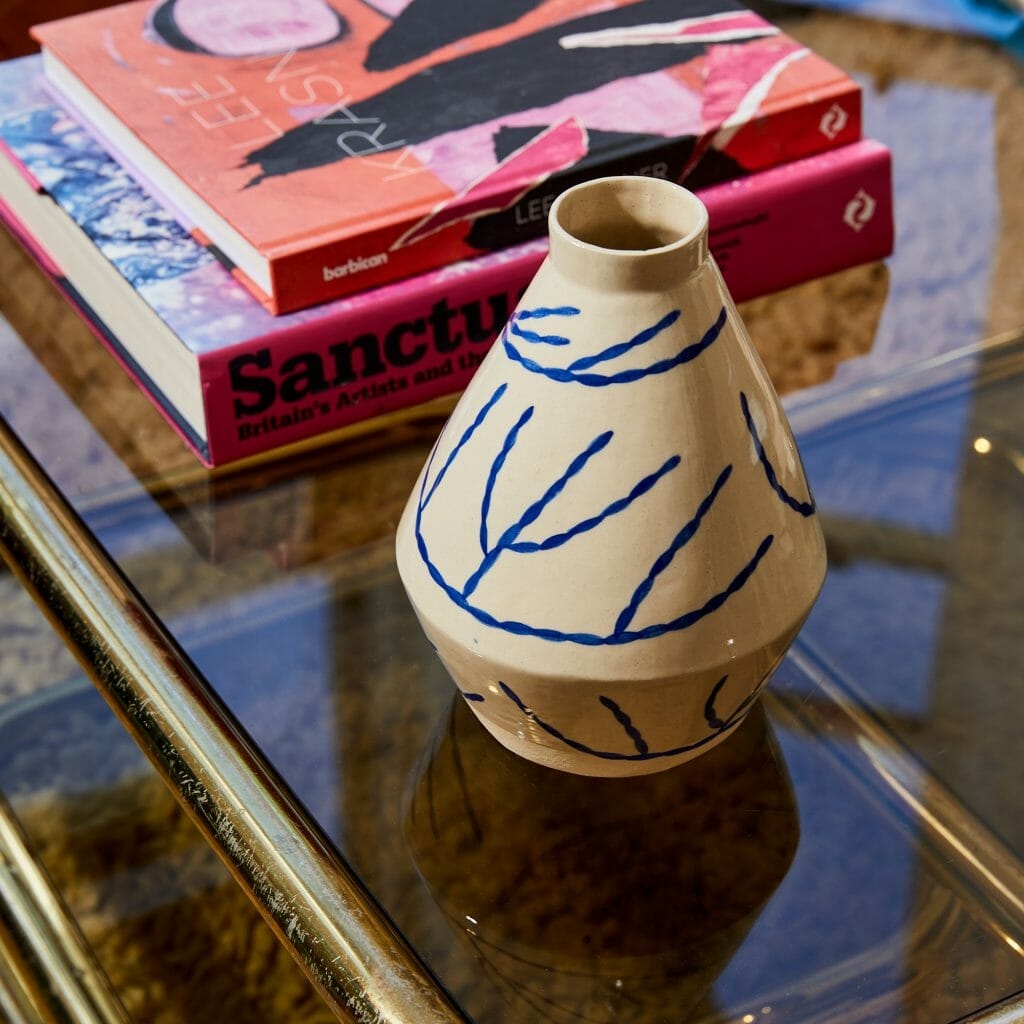 coral-diamond-vase-midi-ceramics-pottery-illustration-blue-pattern