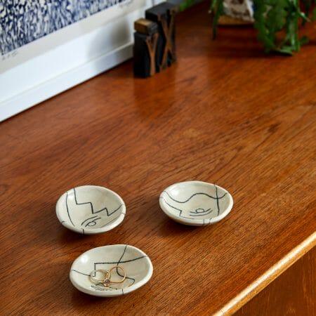 auguste-trinket-dish-ceramic-handmade-illustration-pottery