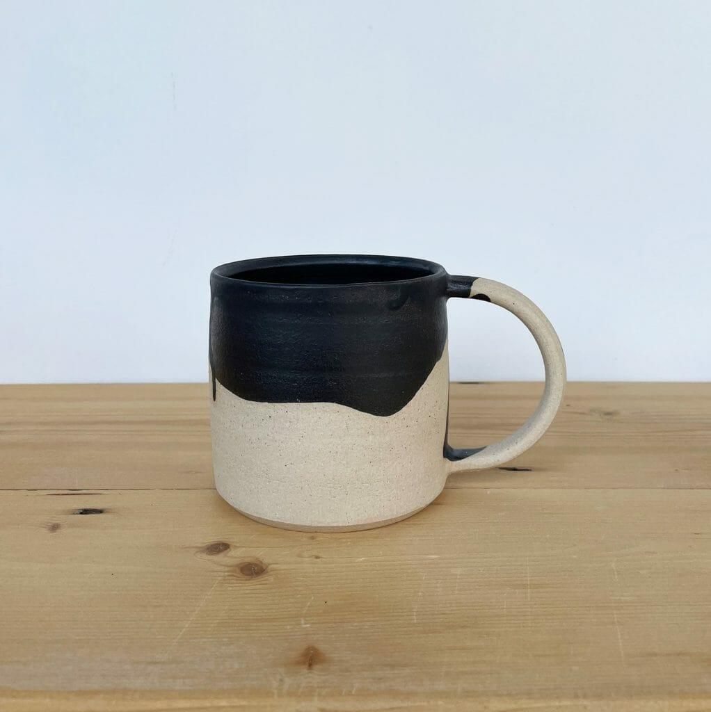 mug-ceramic-black-glaze-on white-handmade-pottery-tableware