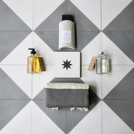 soak-gift-set-bathroom-soap