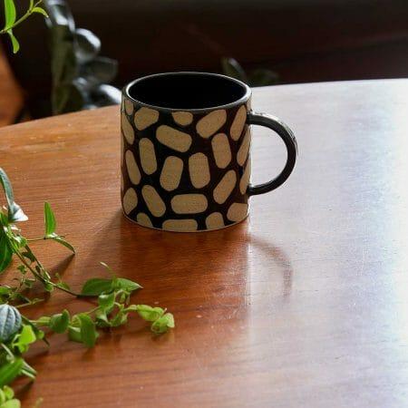 shapes-cup-black-ceramic