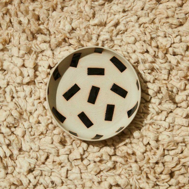 patterned-plate-ceramic-tableware