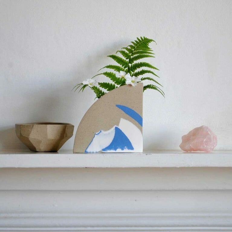 arc-vase-blue-and-white-ceramic