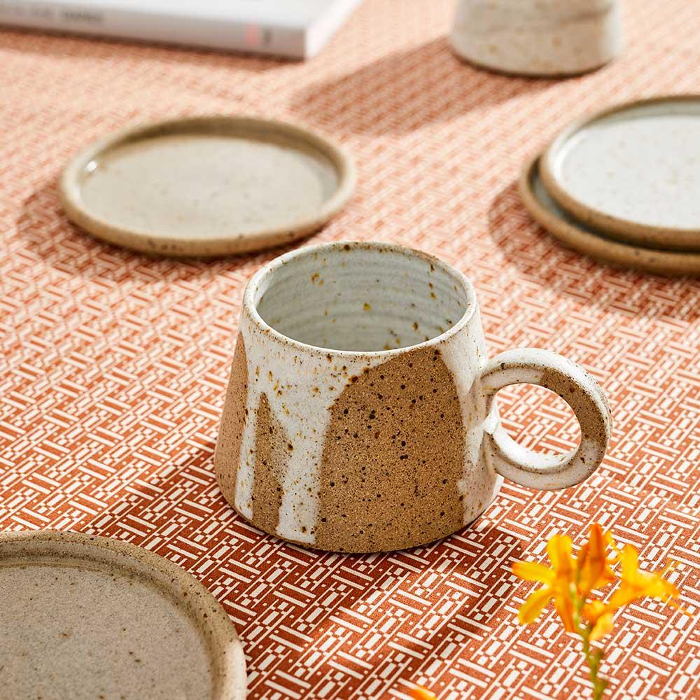 short-mug-splashes-ceramic-tableware