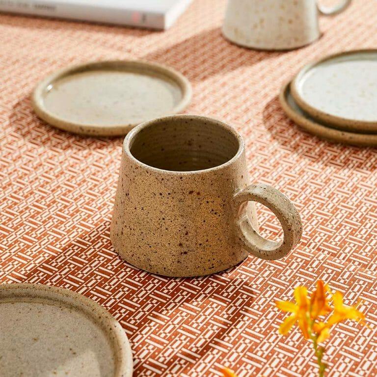 short-mug-ceramic-tableware
