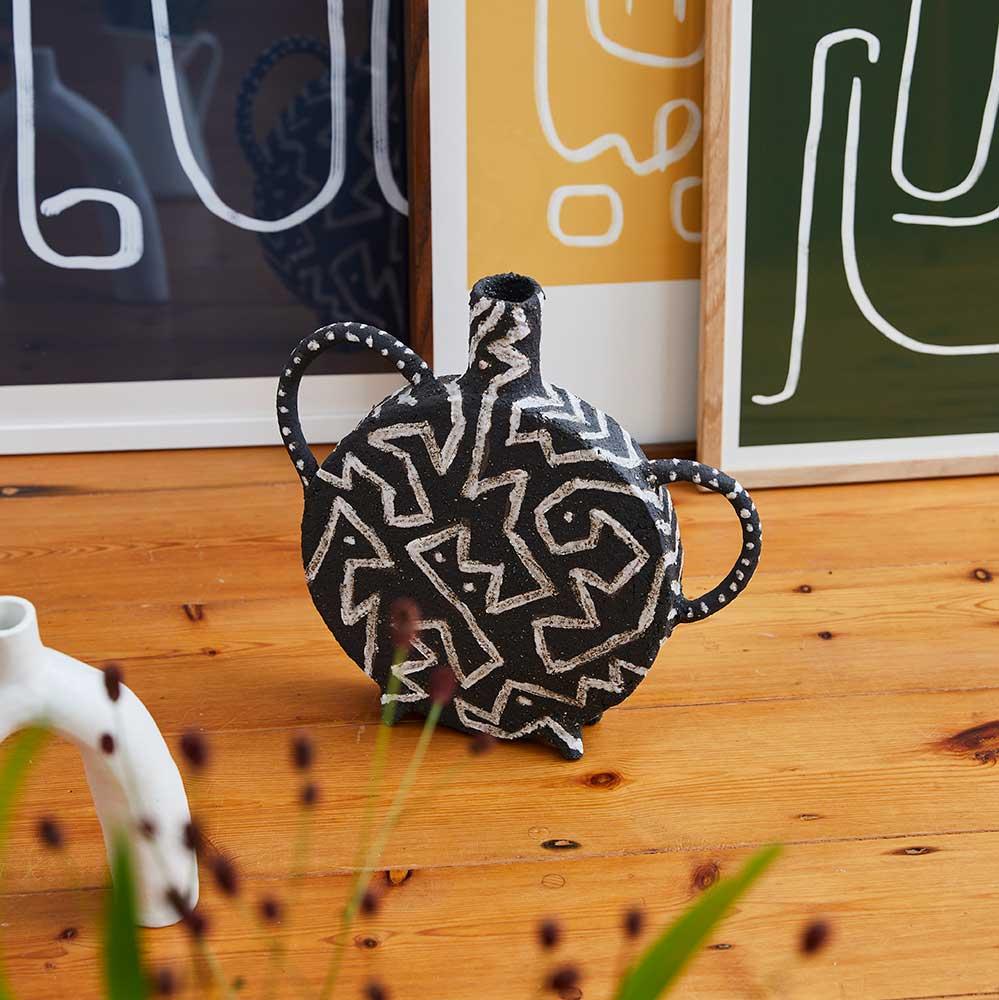 black-vase-i-ceramic-handmade