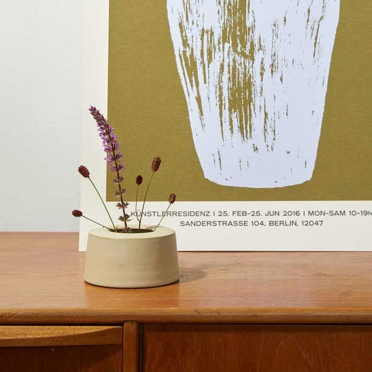 bud-vase-warm-white-i-ceramic