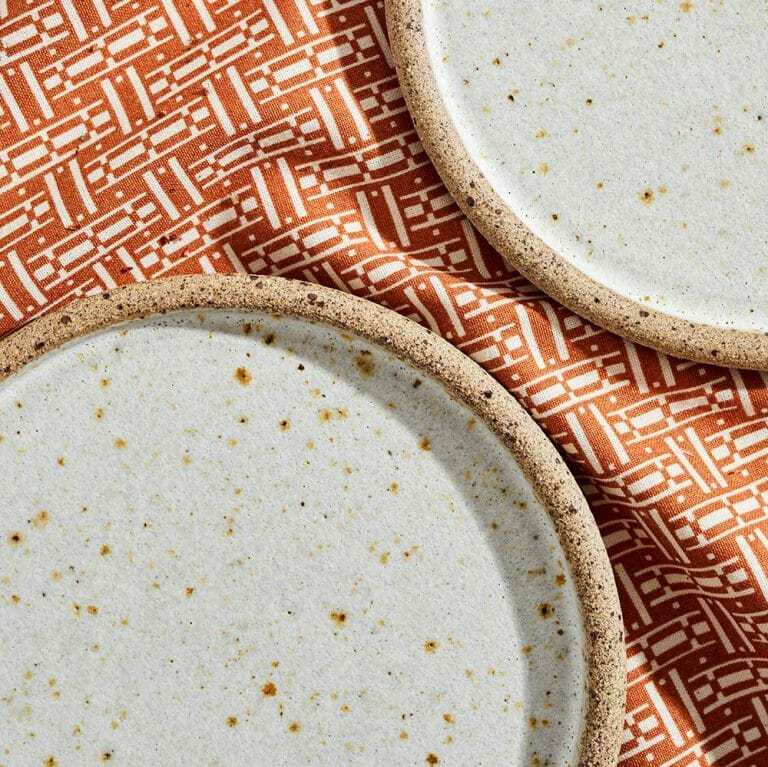 cake-plate-white-ceramic-tableware