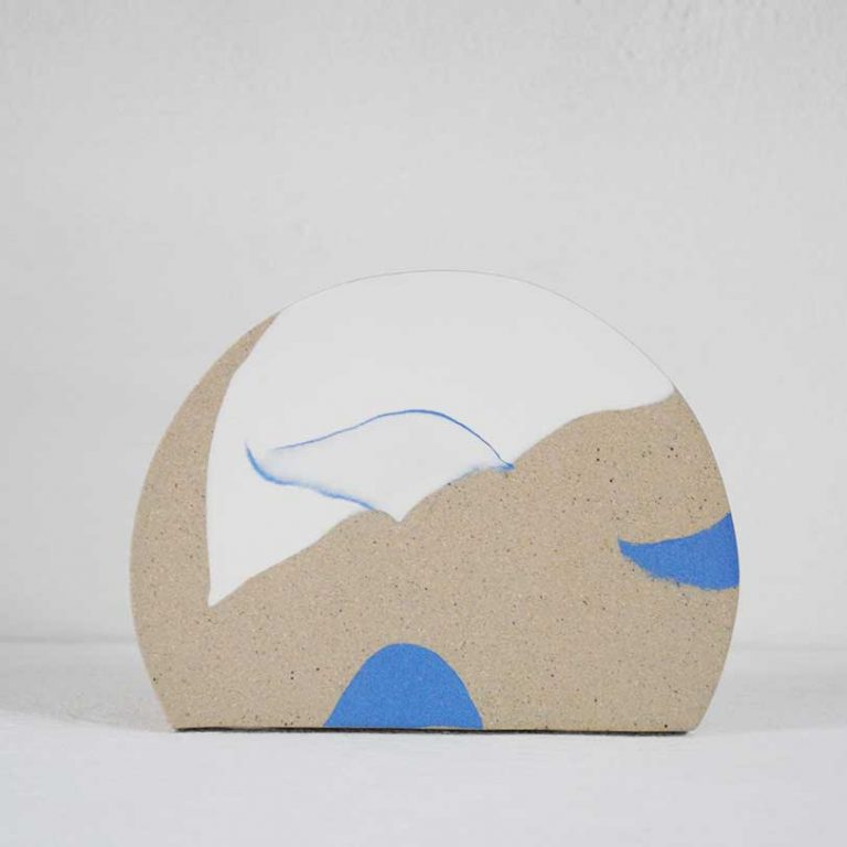 sunrise-vase-blue-and-white-ceramic